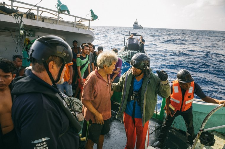 Tanzanian authorities question the crew on board the F/V Buah Naga 1. Photo by Jax Oliver / Sea Shepherd.