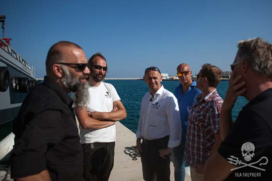 Geert Vons, Yuri Heemskerk, Alex Cornelissen and Joep Berghuis from Sea Shepherd, with Thijs Jansen and Auke van der Zee from Damen.