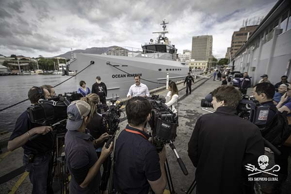 Australian Senator Peter Whish-Wilson speaking at a Sea Shepherd press conference in Hobart, Tasmania Dec 3rd. Photo: Sea Shepherd Global/Simon Ager