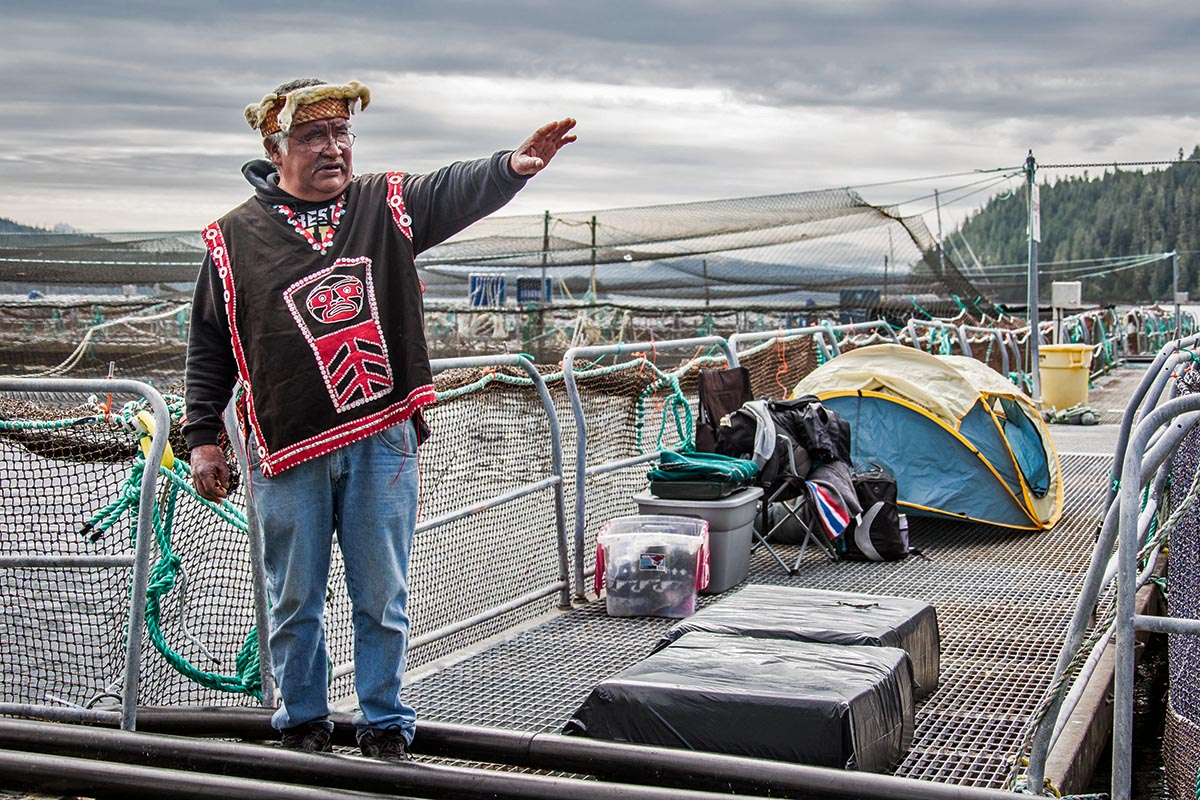 Musgamagw Dzawada'enuxw arrive at Wicklow Fish Farm to begin the occupation Day 1