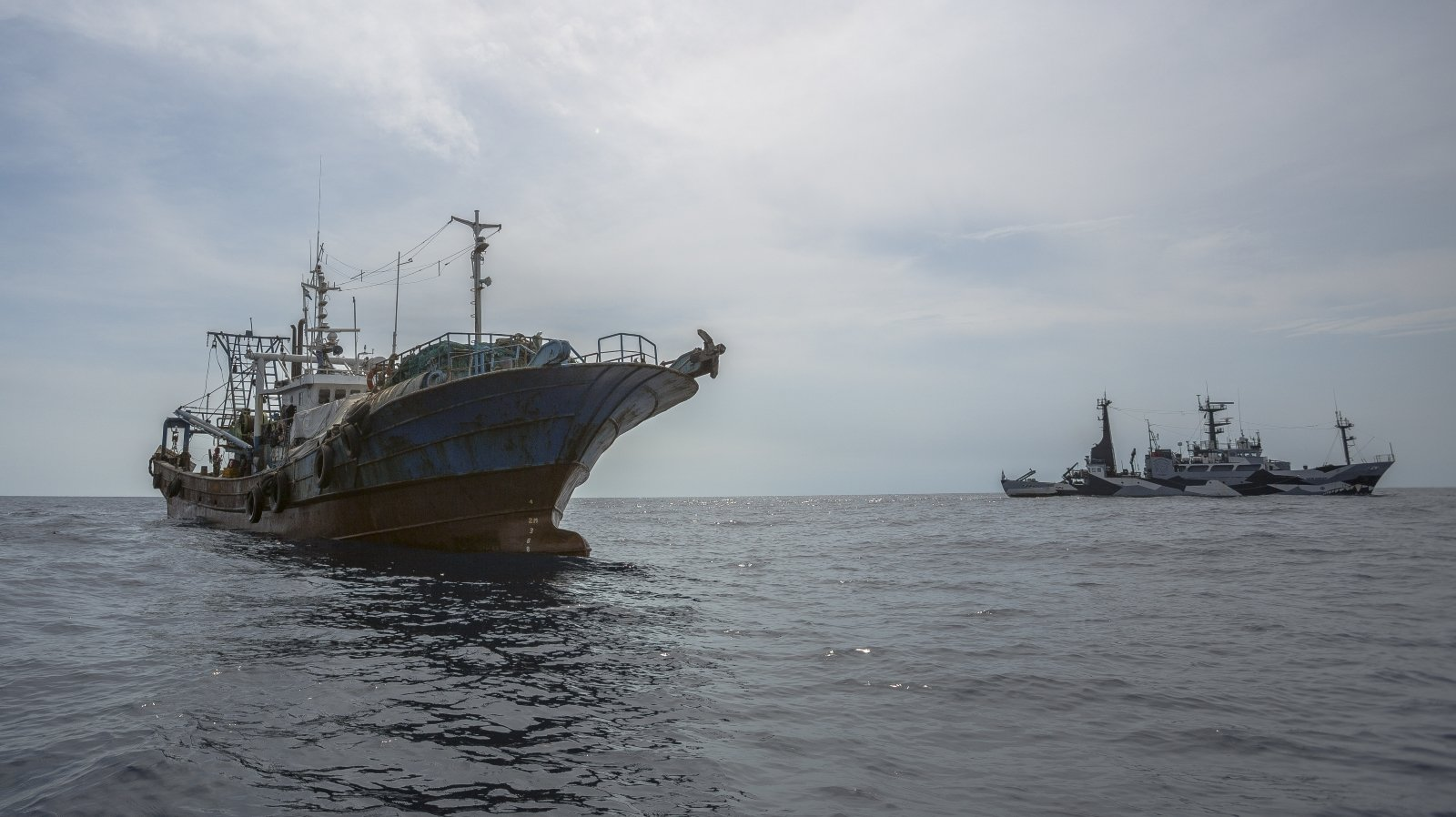 The Sam Simon Intercepts Trawler as it Attempts to Flee Detention in Liberia
