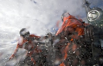 news_090205_1_crew_members_are_hosed_by_water_cannons_1