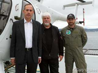(l to r) Senator Bob Brown, Captain Paul Watson, pilot Chris Aultman