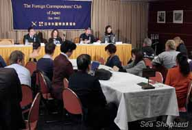 Domestic and foreign media attend the press conference at the Foreign Correspondents' Club in Tokyo. Photo: Rex Ray